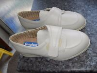 COSYFEET SHOES BRAND NEW SIZE 8.5