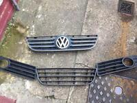 Vw polo 9n3 chrome grill and bottom pieces