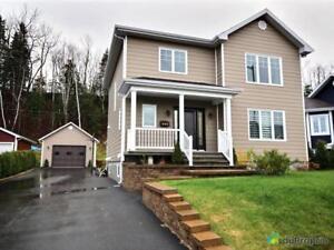 289 900$ - Maison 2 étages à vendre à La Baie