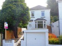 3 BEDROOM HOUSE TO RENT IN SALTASH,LARGE GARDEN,MODERN KITCHEN AND GARAGE