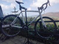 Cyclocross Bike - Kinesis Crosslight Pro 6. Sram carbon cranks, Shimano fully hydraulic disc brakes.