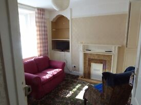 Mid terrace house for 2/4 Aberystwyth town centre.