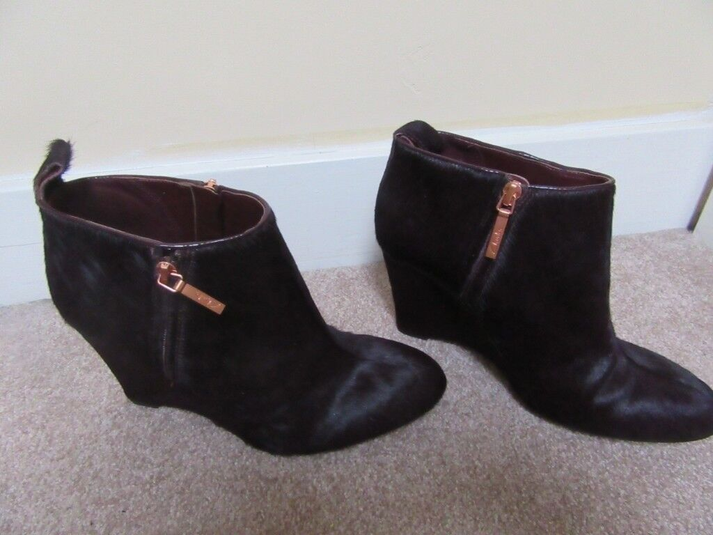 1d9d65a8b46 Clarks Plus womens LORENZO OCEAN leather pony hair wedge heeled ankle boots  SIZE 5.5 WORN TWICE