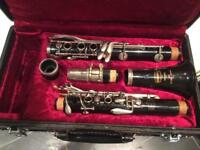 Selmer student Bb clarinet in vgc