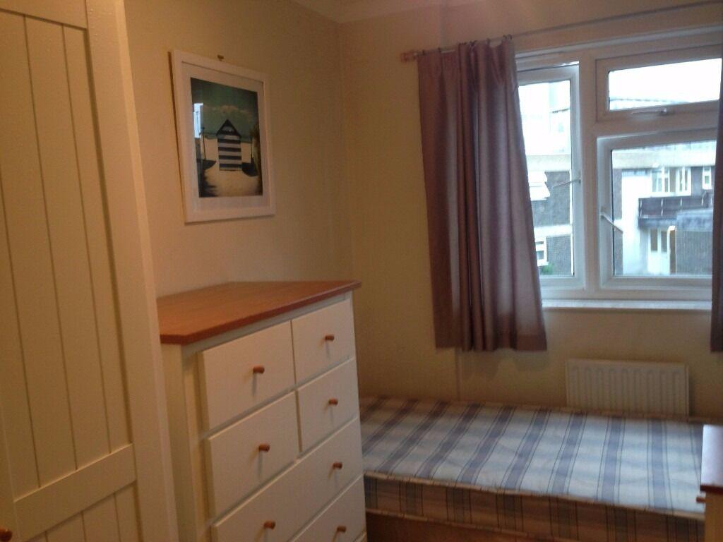 A cosy single room with a balcony