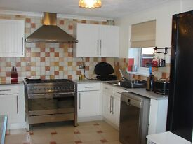 Big, Bright, Fully Furnished Double Bedrooms available - All Bills Included