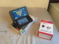 Nintendo 3DS xl, 30+ games and charger, excellent condition