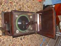 orchorsol antique record player