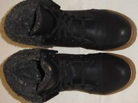 black bootee fur lined size 4