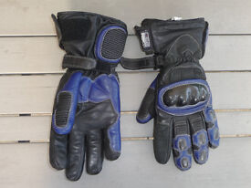 Motorcycle gloves Size Small 8.