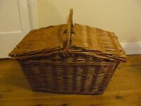 Gorgeous old style picnic basket