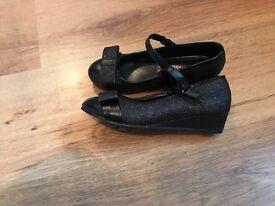 Black shoes size 1