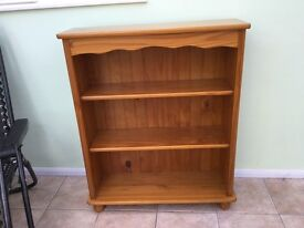 Pine Bookcase with 3 shelves