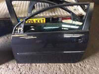 Vw golf mk5 front passenger door 3 door car in black colour