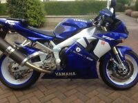 Yamaha R1 2002 blue/white
