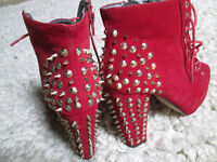 LADIES/GIRLS SPIKEY HEELED LACE UP BOOTS - SIZE 5 - GC