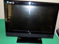 HP TOUCHSMART 310 20 INCH ALL-IN-ONE DESKTOP PC. WINDOWS 7. WIRELESS