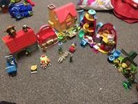 Huge doll house play house lots of toys and figurine small town!