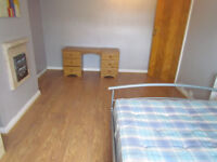 FANTASTIC DOUBLE AND SMALL DOUBLE ROOM AVAILABLE FOR RENT ONLY 2 WEEKS DEPOSIT