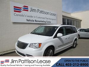 2016 Chrysler Town & Country 3.6L Touring-L Leather STO & GO w/