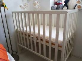 Baby cot and matress
