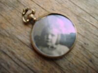 9ct Gold Picture Locket------Victorian