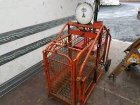 Ritchie sheep lamb weigh scales in good condition farm livestock tractor