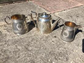 Hamilton Laidlaw & Co (Glasgow) three-piece silver-plated tea set