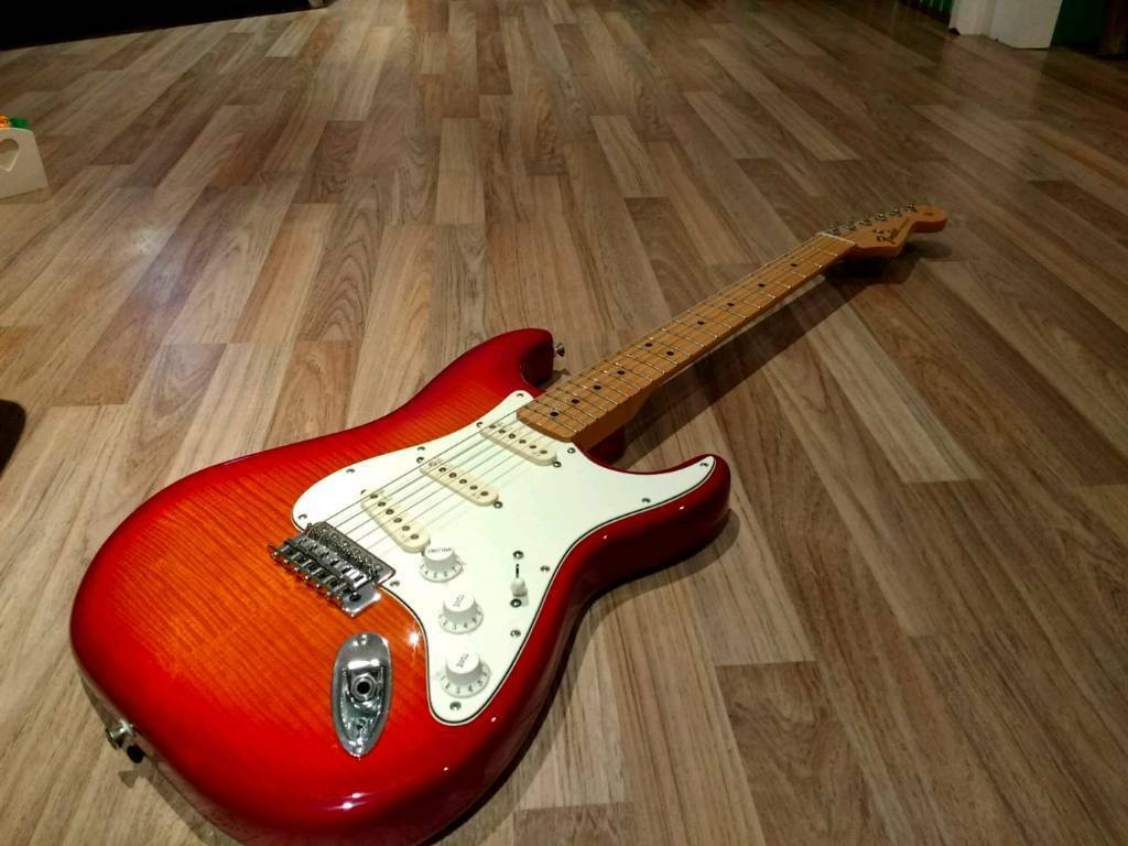 Mim Stratocaster Upgrades : fender stratocaster plus top in cherry burst 2013 mim with upgrades in monifieth dundee gumtree ~ Hamham.info Haus und Dekorationen