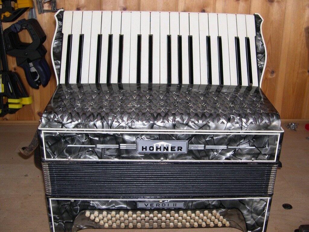 Hohner Verdi II, 2 Voice, 60 Bass, Piano Accordion.