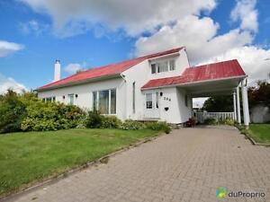 239 000$ - Maison à un étage et demi à vendre à Chicoutimi