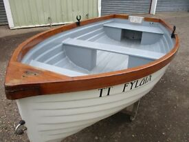 8ft8 grp stem dinghy
