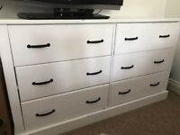 2 White wooden drawers