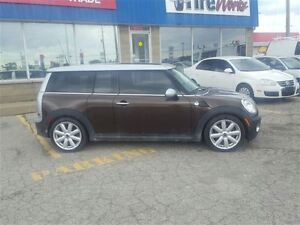 2010 MINI Cooper Clubman DUAL ROOF - FREE WINTER TIRE PACKAGE London Ontario image 4