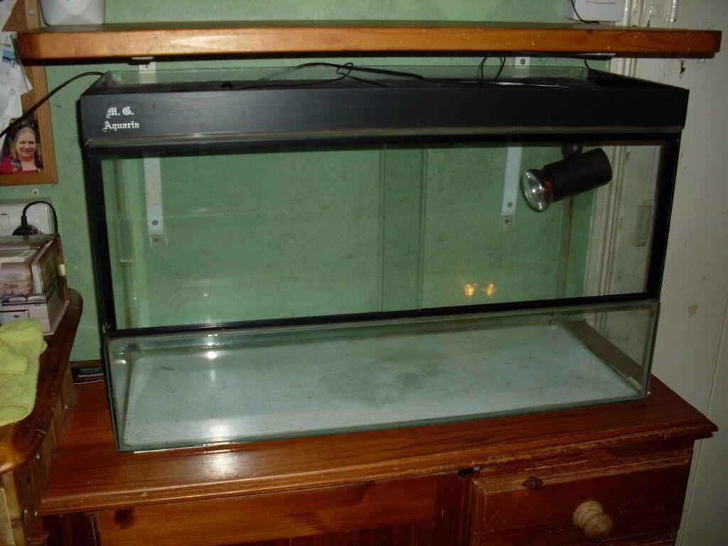 Glass Vivarium With Front Opening Doors Spot Light No Cracks In