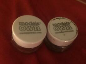 Models Own Powder Eyeshadow Pair