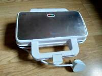 AMBIANO sandwich toaster