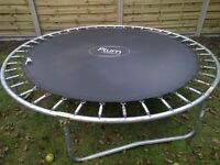 8ft trampoline very good condition
