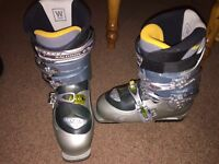 Salomon ski boots - women's - size 5 / 5.5