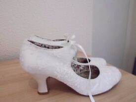 Lovely monsoon ivory wedding lace shoes vgc and clean size 4
