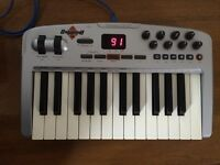 M-Audio Oxygen 8 v2 MIDI keyboard