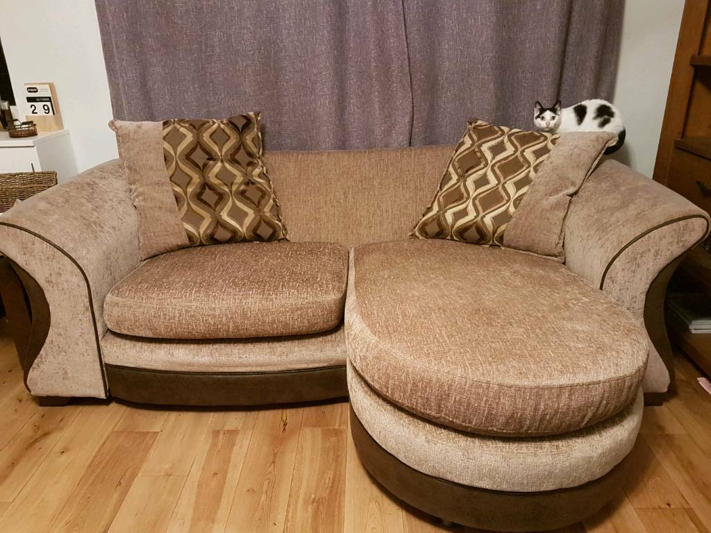 Excellent condition dfs 4 seater sofa