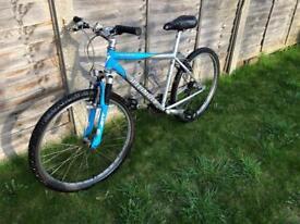 Men's Specialized Hardrock bike 17in frame