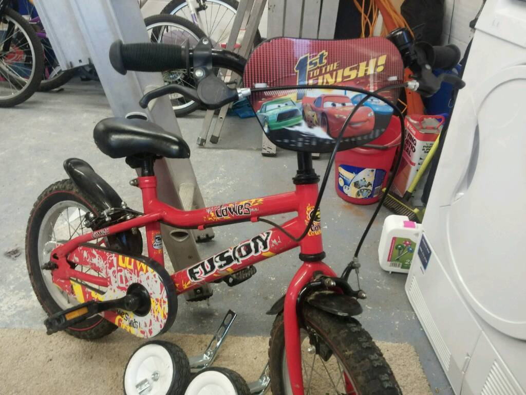 Boys Dawes Fusion Bike with Stabilisers Suit 4-7 years