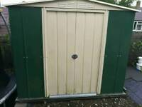 Metal shed approx 8ft x 6ft