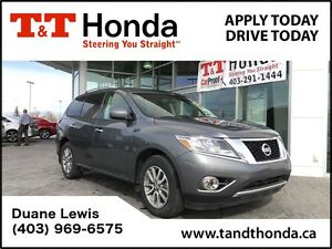 2016 Nissan Pathfinder SV *No Accidents, Bluetooth, Backup Camer