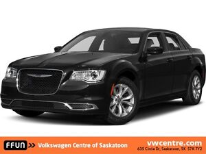 2016 Chrysler 300 Touring ONLY 24,000KM!!!!!