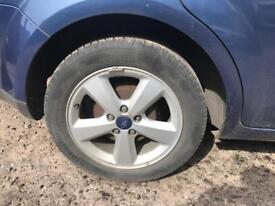 Ford Focus alloy wheels with tyres 205 55 16 mk2