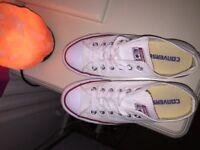 White converse, size 5.5