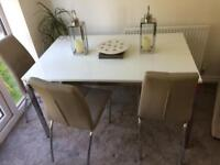 Torsby Dining table white gloss with chrome base